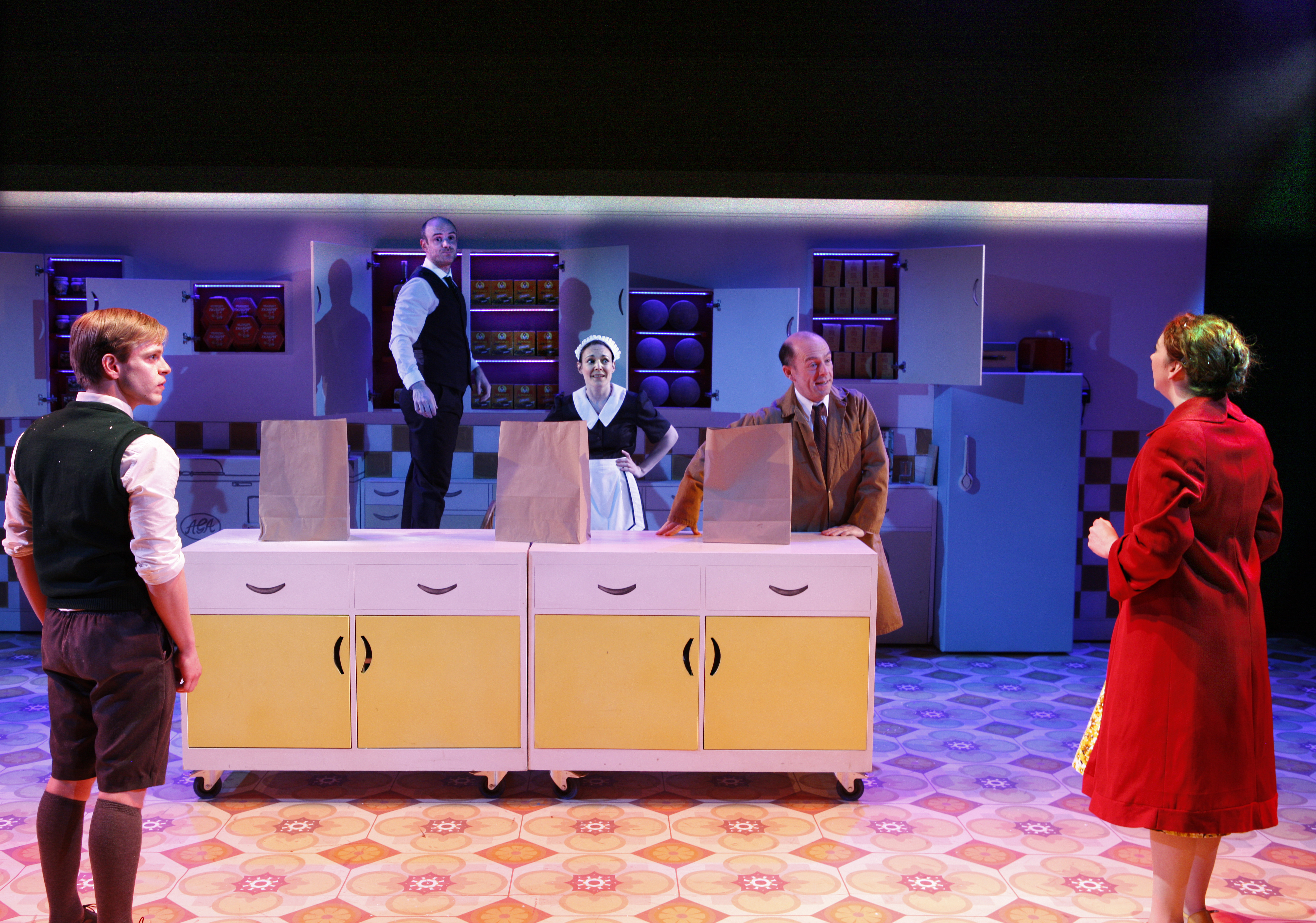 (L-R) Giles Cooper as Nigel Slater, Jake Ferretti as Josh, Marie Lawrence as Joan, Stephen Ventura as Dad, Lizzy Muncey as Mum (c) Simon Annand