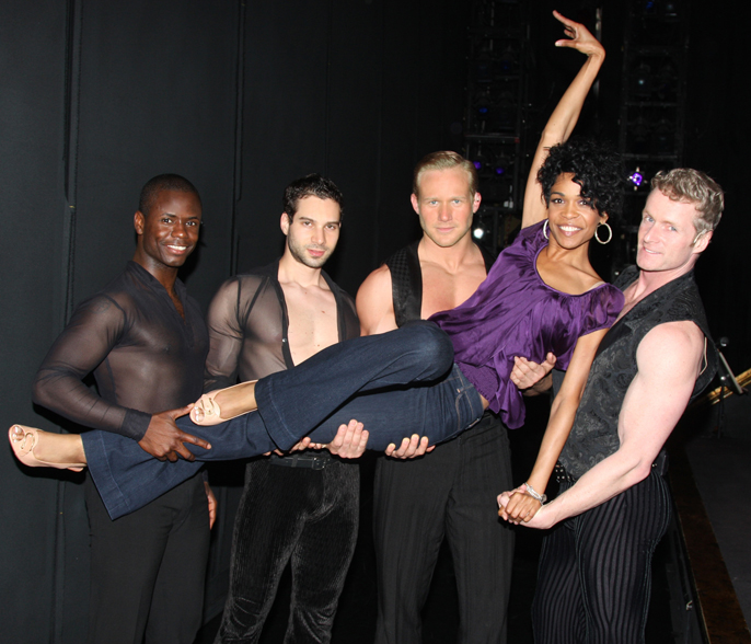 Michelle Williams with Broadway cast of CHICAGO Photo Credit Bruce Glikas  FilmMagic
