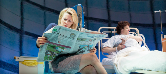 Birthday starring Lisa Dillon (Lisa) and Stephen Mangan (Ed) [image by Johan Persson]