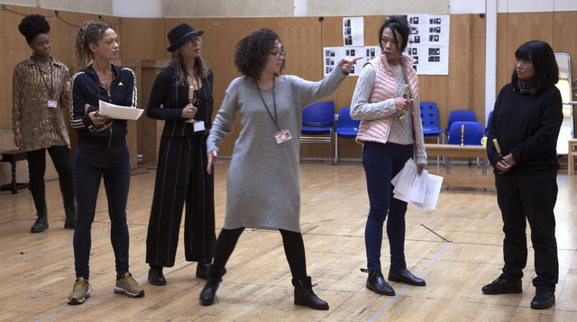 Lynette Linton with various cast members, rehearsals, Richard II, Shakespeare's Globe