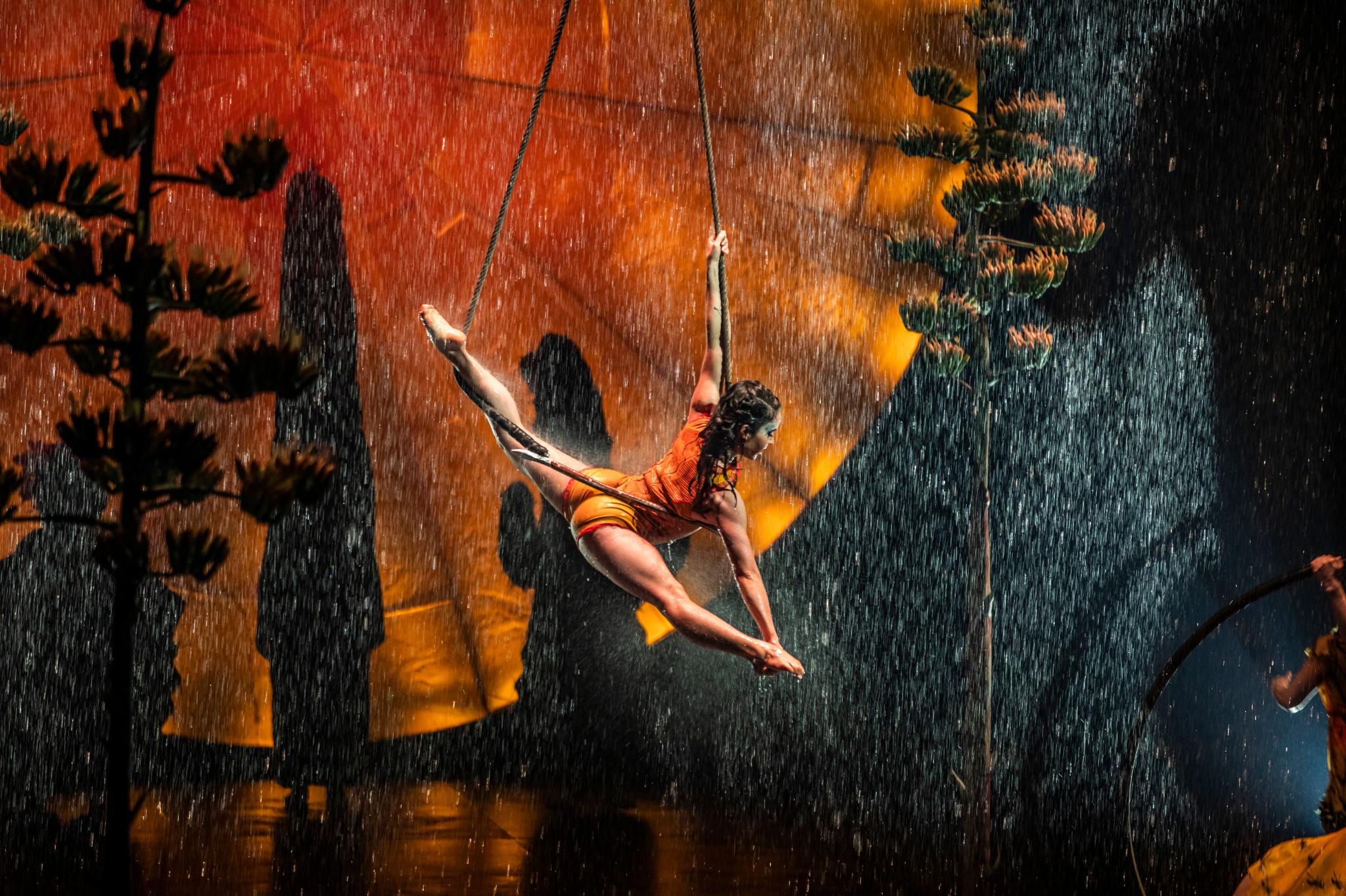 Luzia Cirque du Soleil (c) Matt Beard