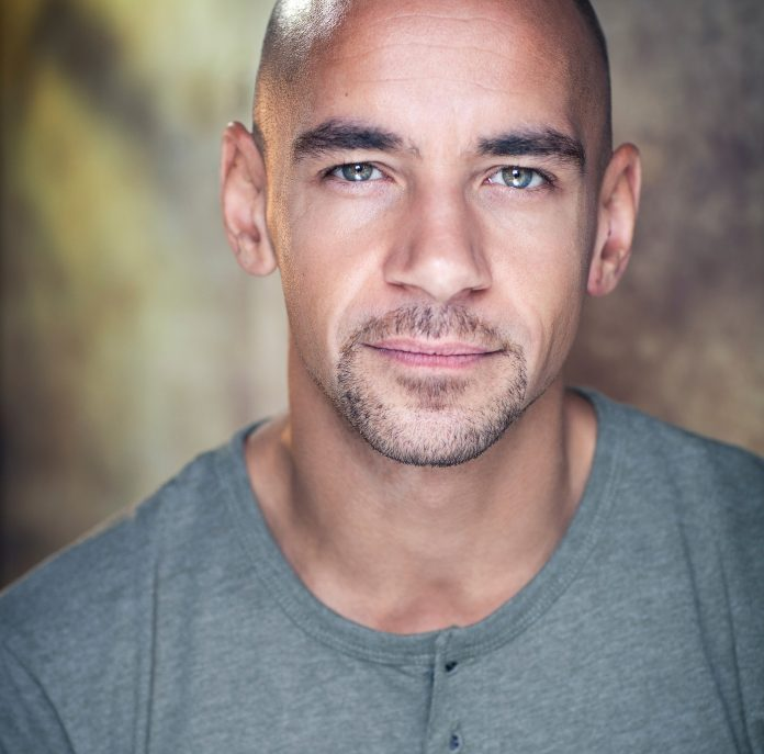 Fraser Ayres Imison play Maynard © Michael Wharley Photography 2014