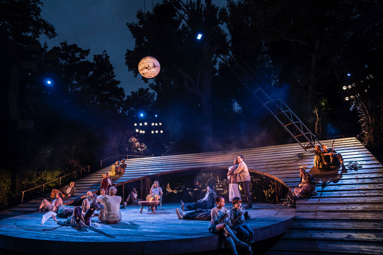 A Real Nice Clam Bake. The Company of Carousel at Regent's Park Open Air Theatre. Photo by Johan Persson